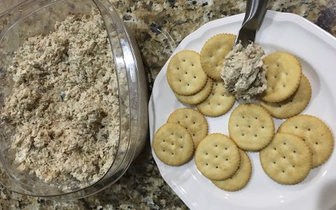 Fish Dip Crackers