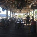 key largo fisheries and seafood dining area outside